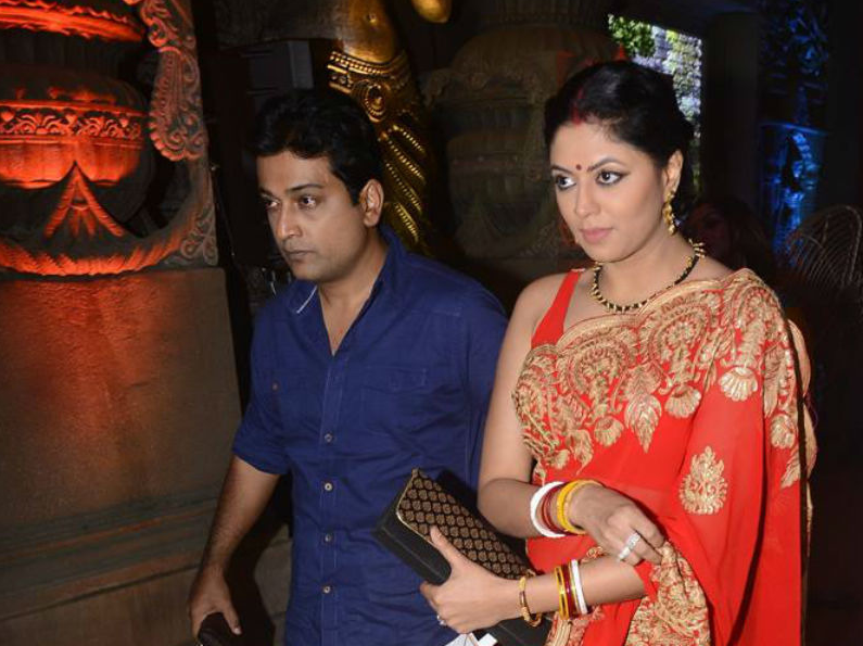 Kavita Kaushik Images With His Hunband