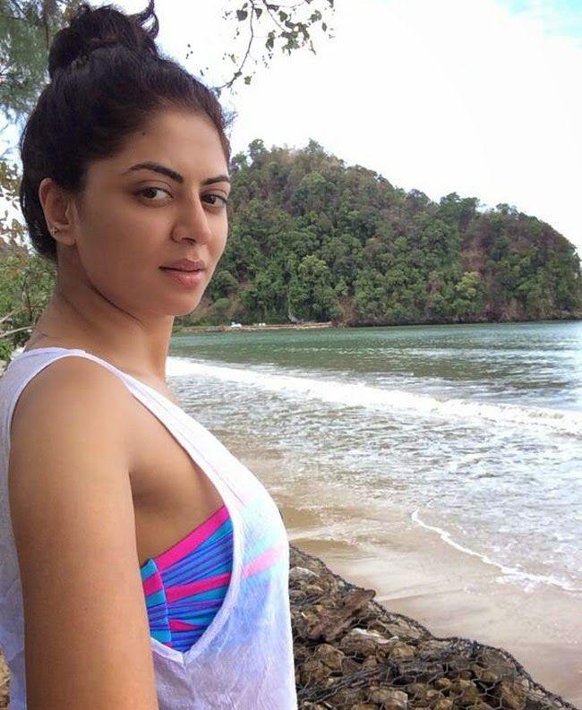 Kavita Kaushik Latest Hair Style Images
