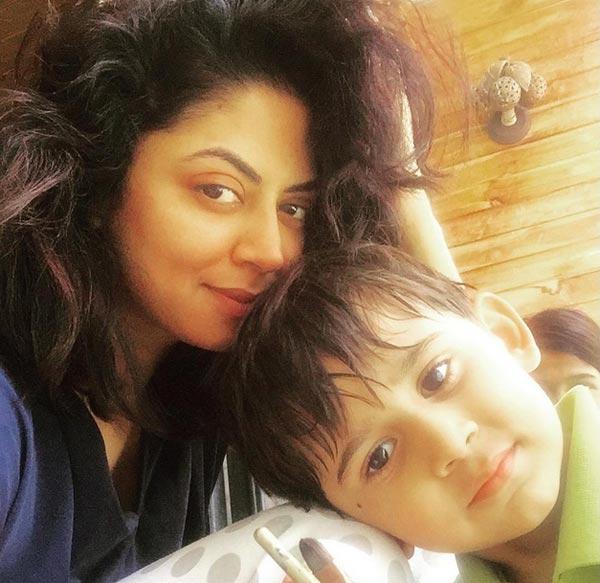 Kavita Kaushik Pics With Cute Baby