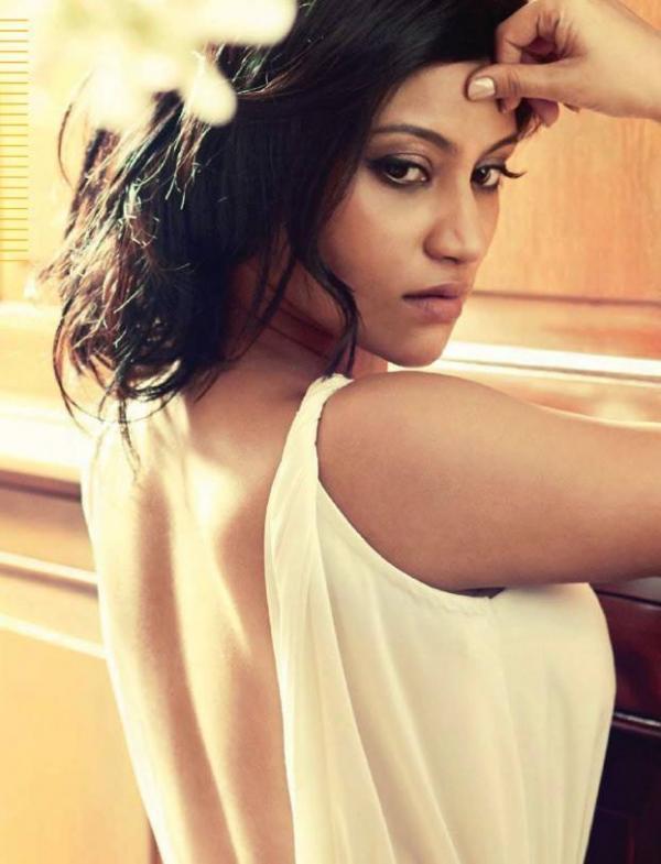 Konkona Sen Sharma Hot Backside Images