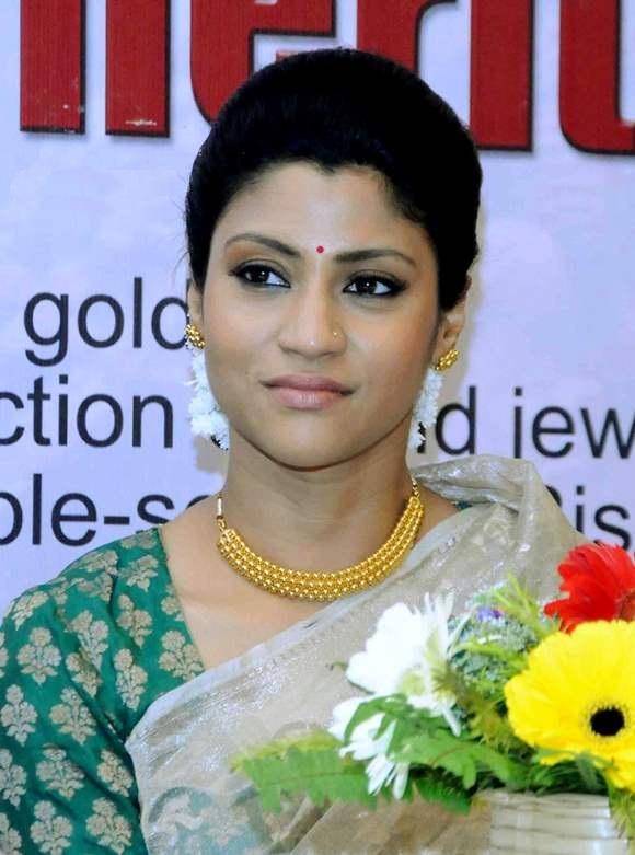 Konkona Sen Sharma Photos At Award Show