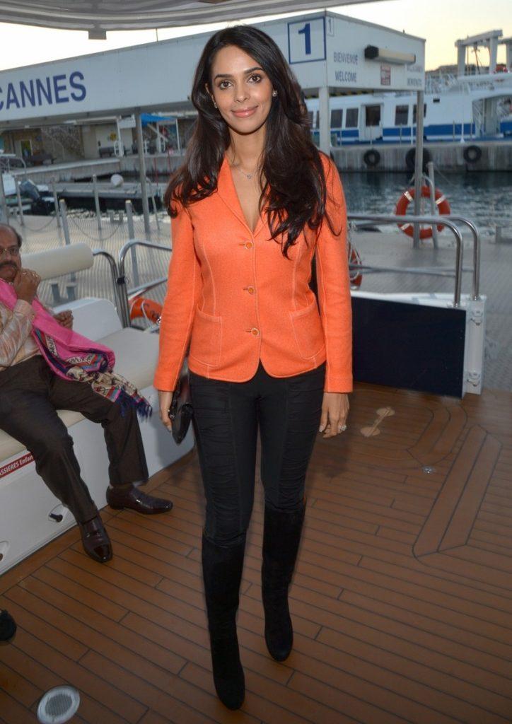 Mallika Sherawat Images In Jeans Top