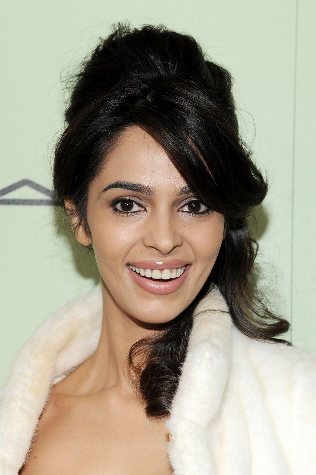 Mallika Sherawat Latest Hair Style Photos