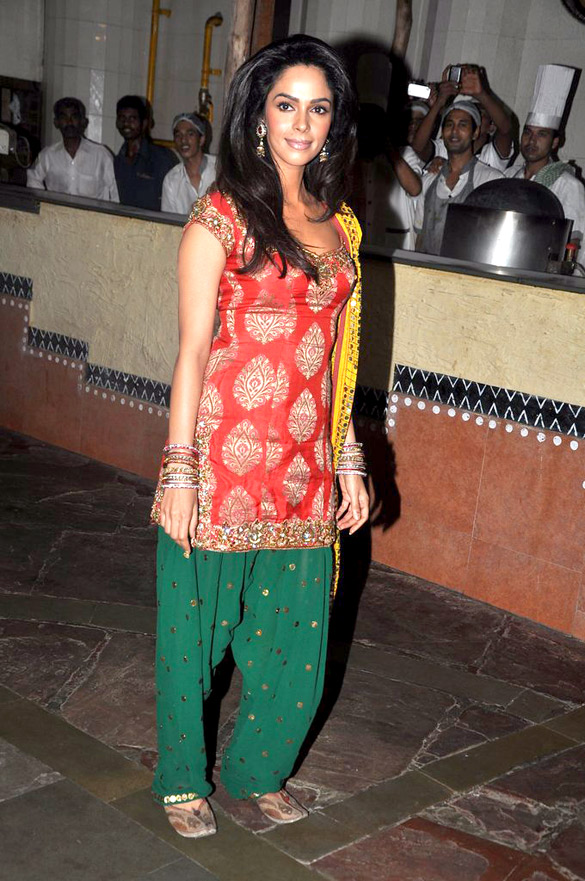 Mallika Sherawat Photos Download