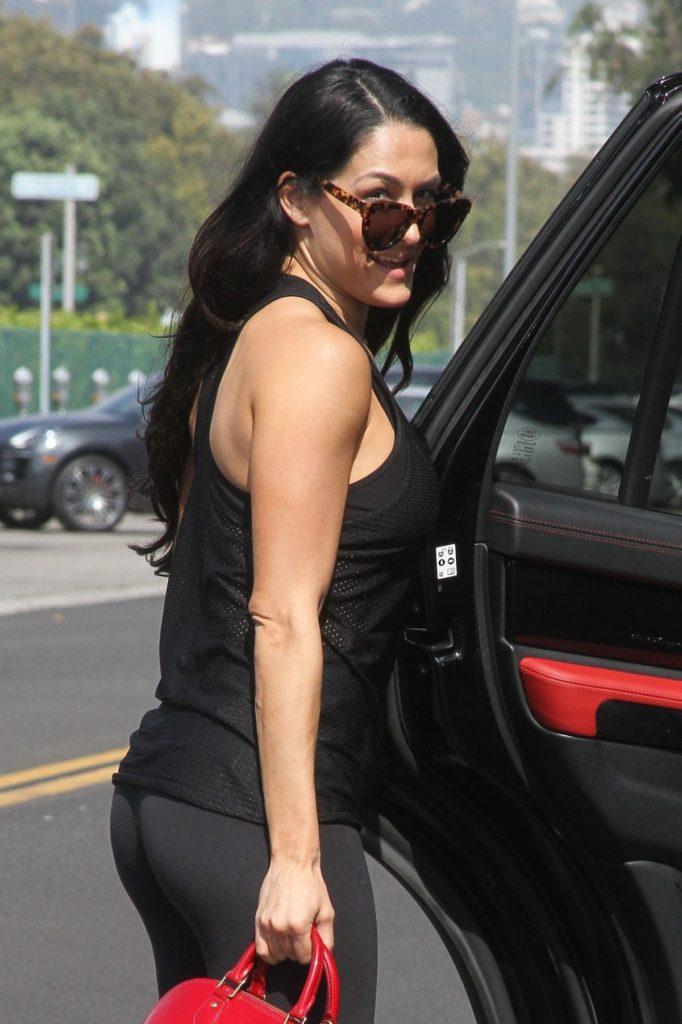 Nikki Bella Pics With Sunglass