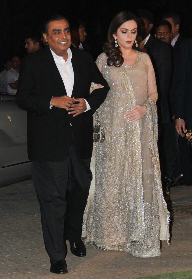 Nita Ambani Lovely Couple Pics