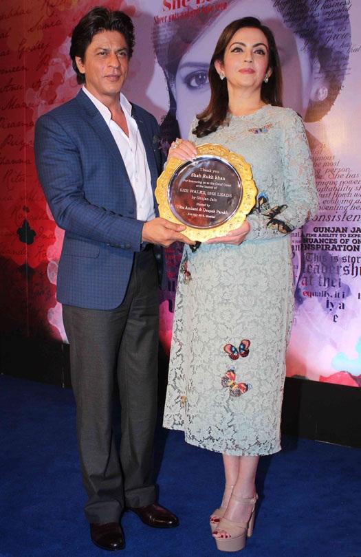 Nita Ambani Photos With Shahrukh Khan