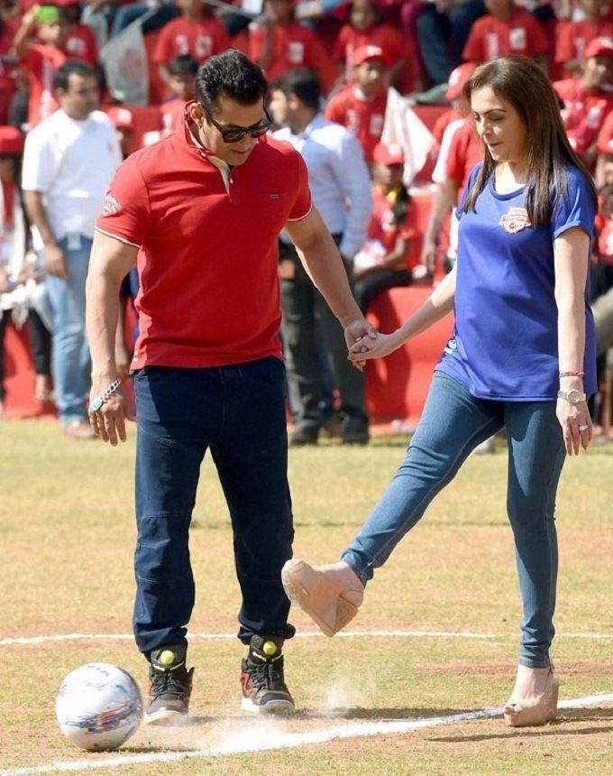 Nita Ambani Pictures With Salman Khan