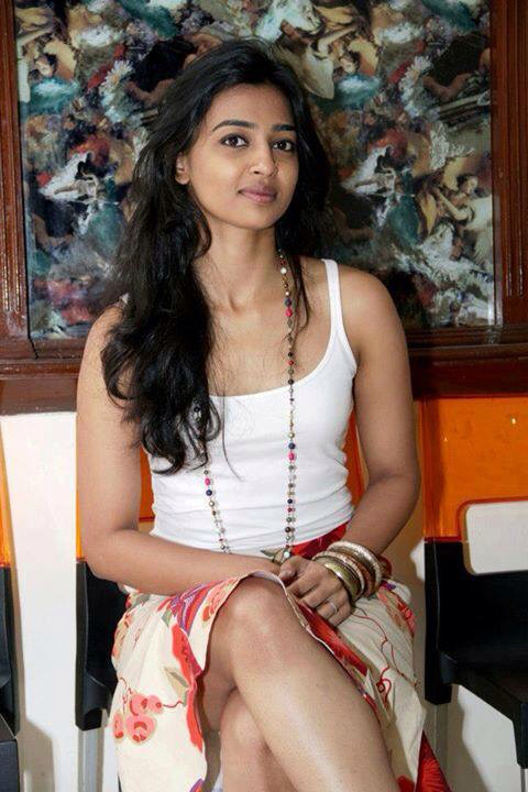 Radhika Apte Oops Moment Images