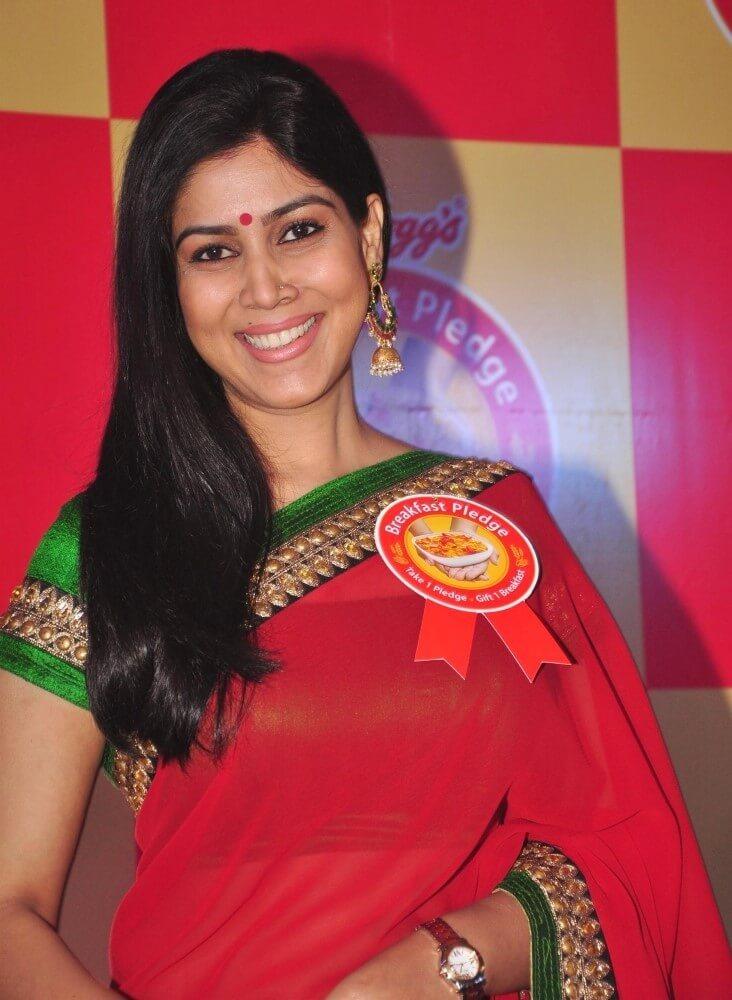 Sakshi Tanwar Spicy & Sizzling Photos At Event