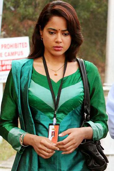 Sameera Reddy Cute Pics