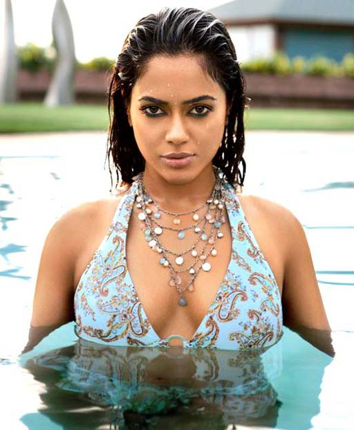Sameera Reddy Images In Bikini