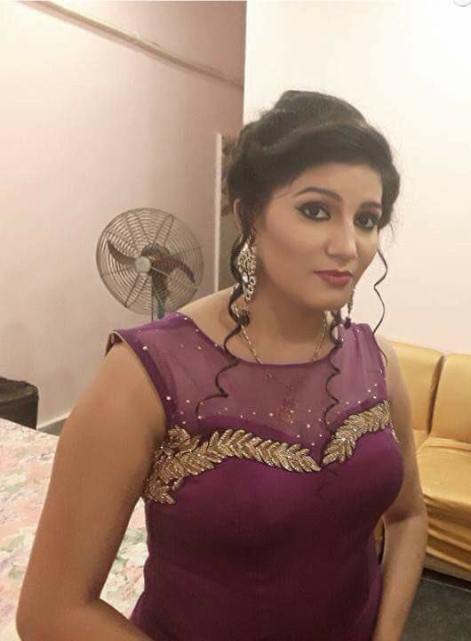 Sapna Choudhary At Home Wallpapers