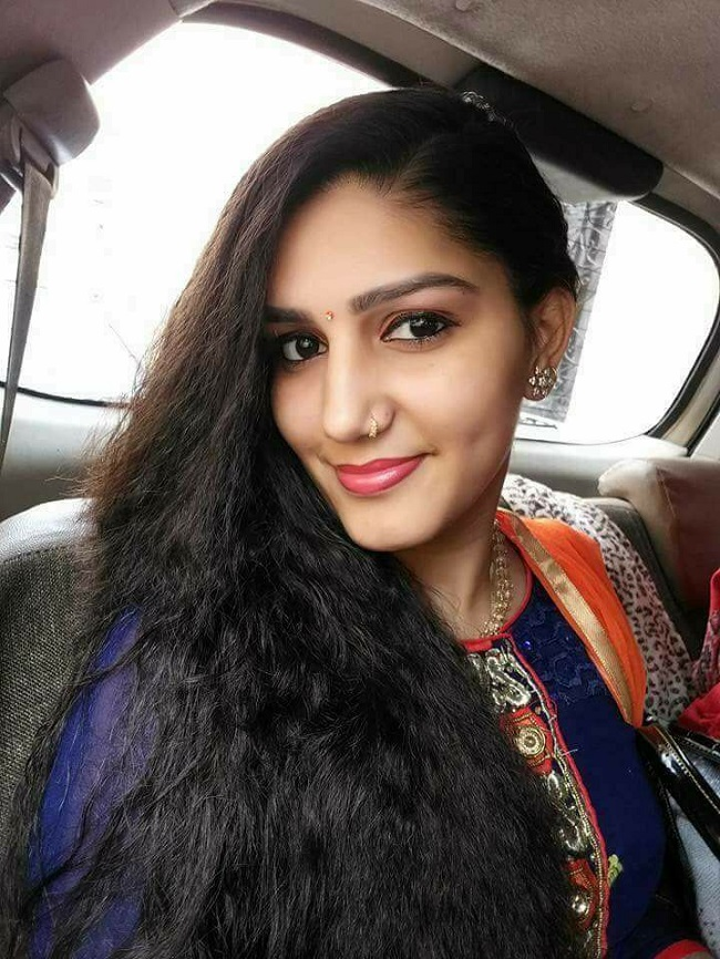 Sapna Choudhary Selfie Pictures HD