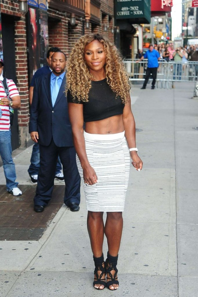 Serena Williams At Award Showing HD Pictures