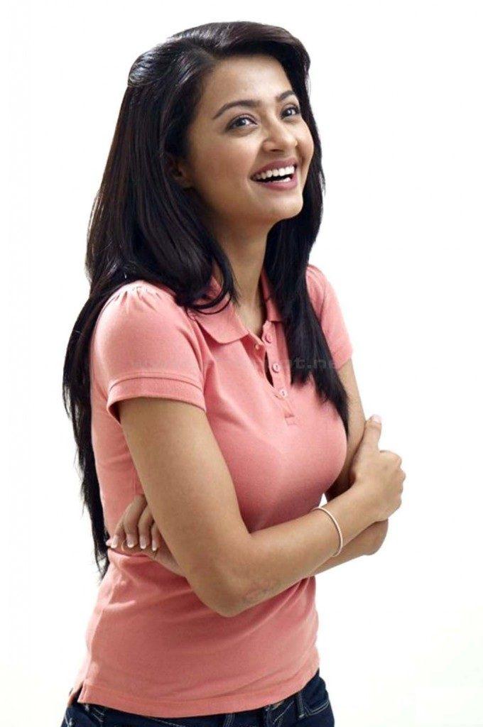 Surveen Chawla Hot Photos