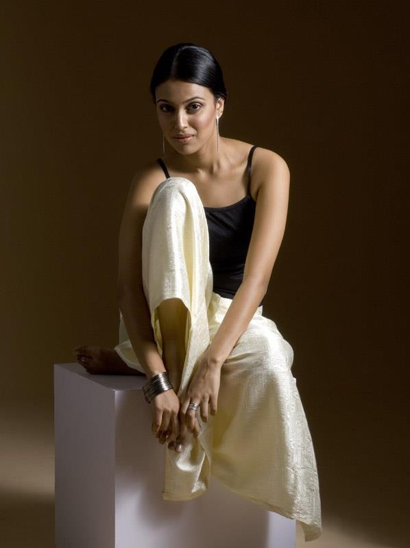 Swara Bhaskar HD Photoshoot Gallery