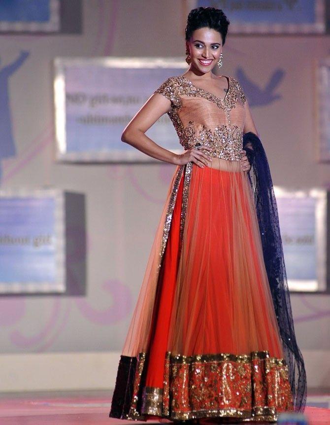 Swara Bhaskar HD Sexy Pics In Gagra Choli