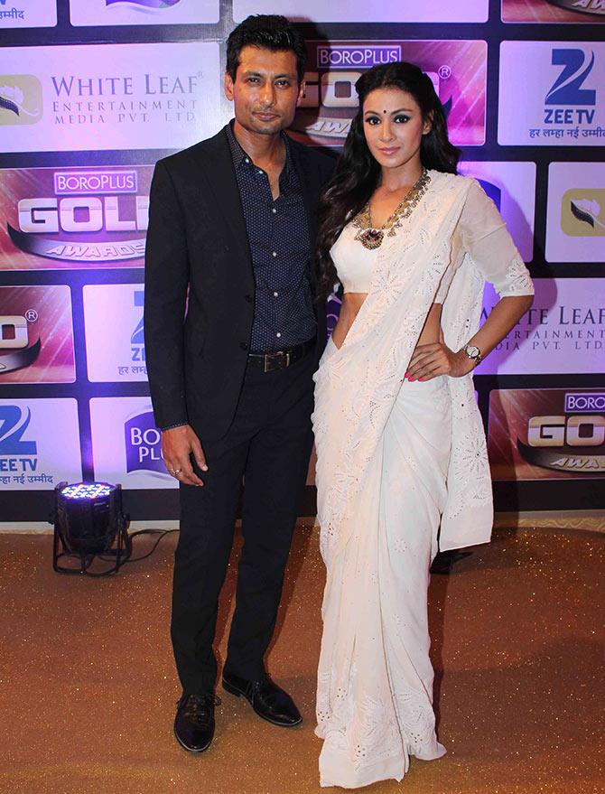 Barkha Bisht HD Sexy Images With Husband