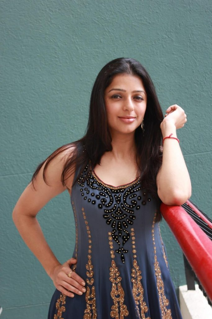 Bhumika Chawla Images For Desktop