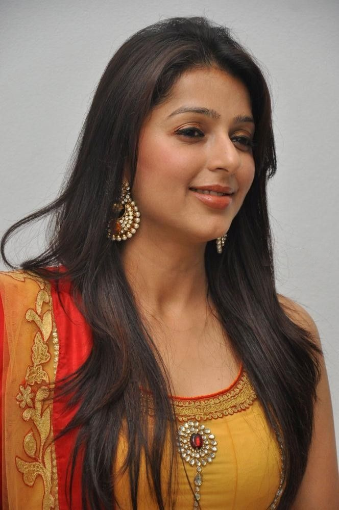 Bhumika Chawla Sweet Smile Images