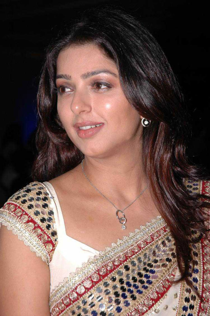 Bhumika Chawla Wallpapers Download