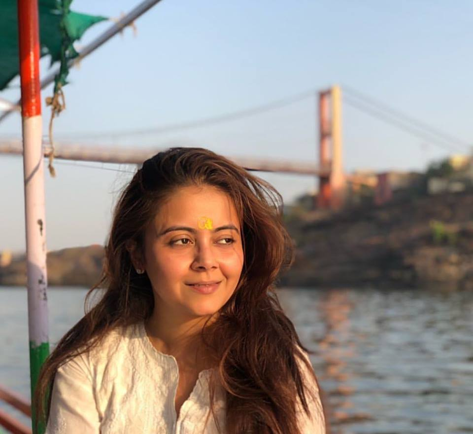 Devoleena Bhattacharjee Cute Smiling Pics
