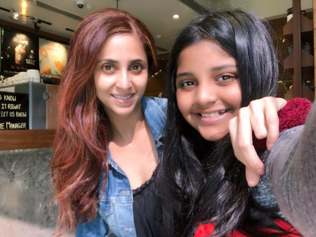Gautami Kapoor HD Wallpaper With His Daughter