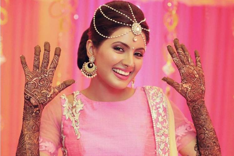 Geeta Basra HD Sexy Smile Images