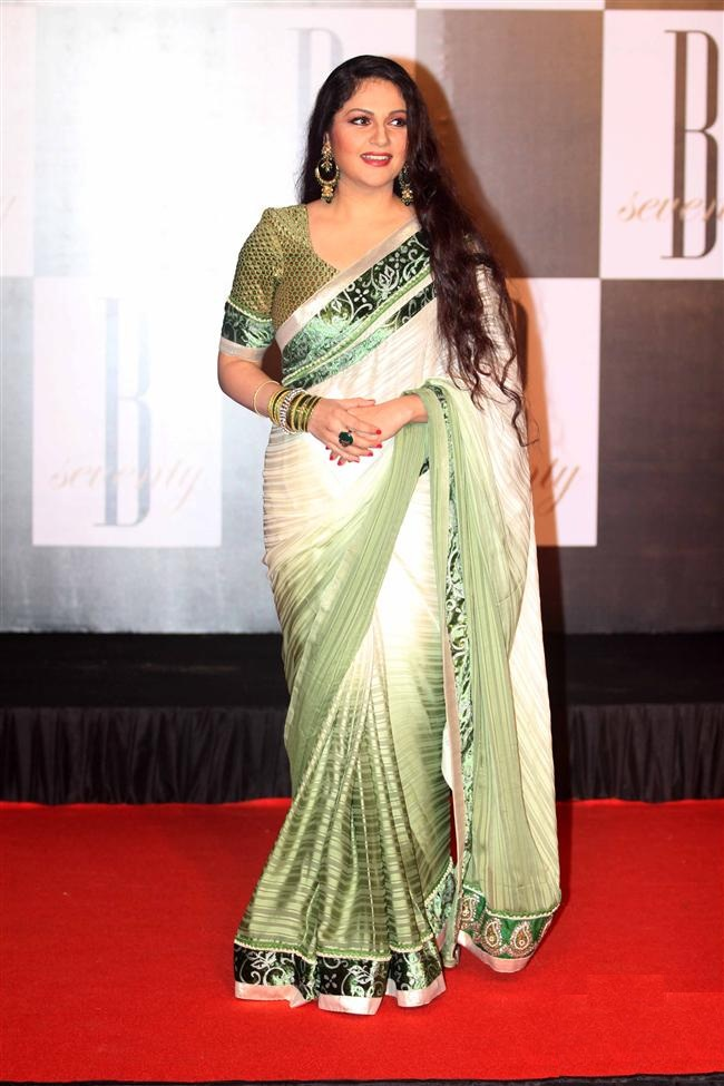 Gracy Singh Latest New Pics In Saree