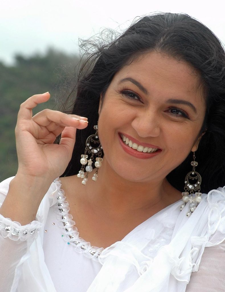 Gracy Singh Pictures Full HD