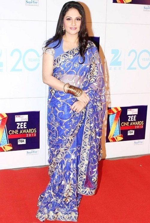 Gracy Singh Spicy Navel Pictures