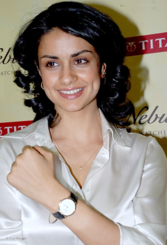 Gul Panag HD Photoshoot Pictures