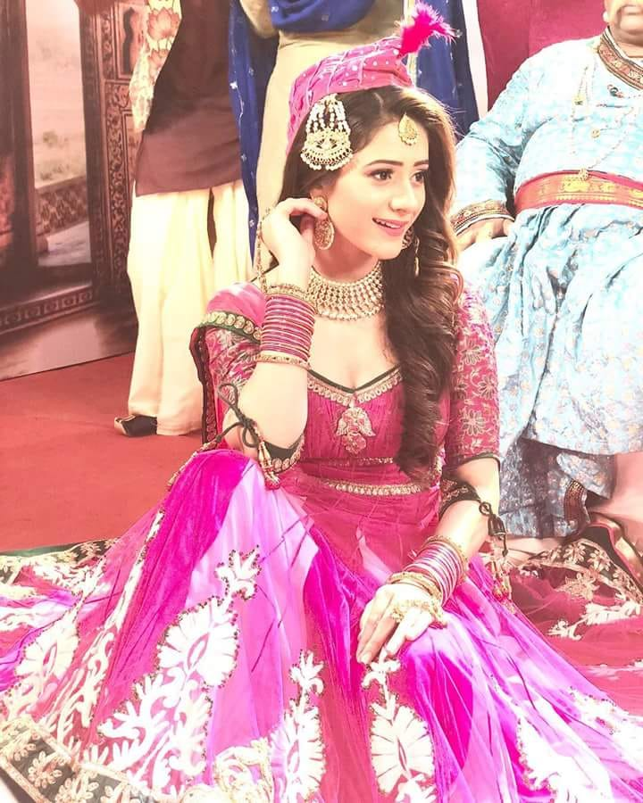 Hiba Nawab Hot Images In Gagra Choli