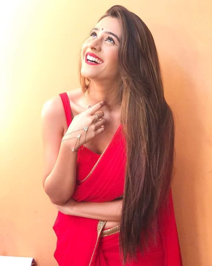 Hiba Nawab Latest New Full HD Pictures