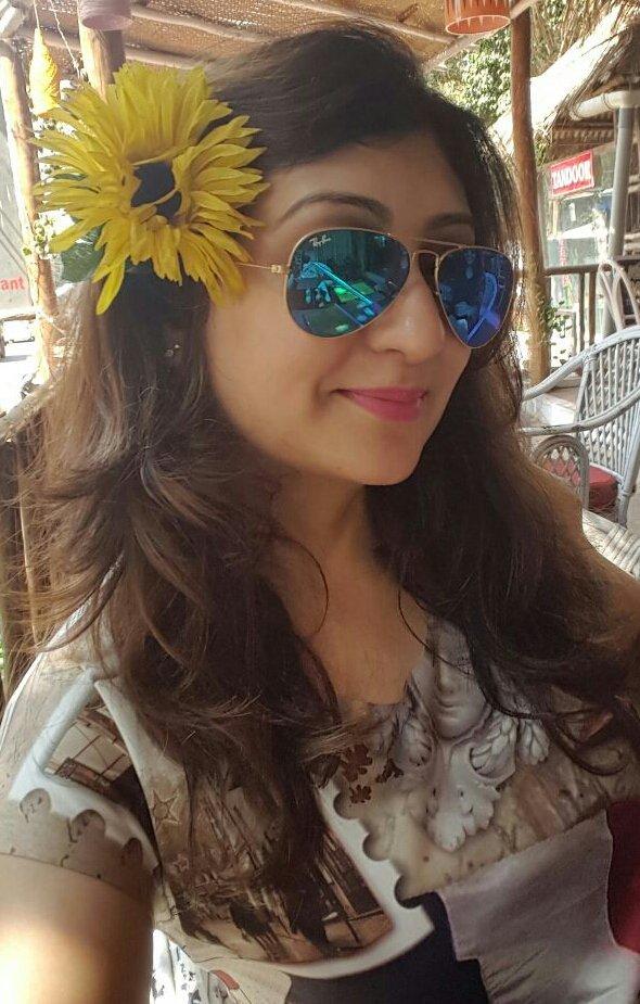 Juhi Parmar Cute Selfie Pics