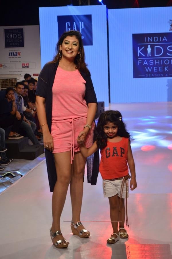 Juhi Parmar Hot Images In Short Clothes At Rampwalk