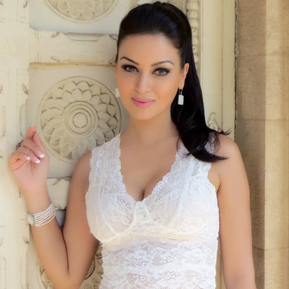 Maryam Zakaria Hot & Sexy Images Full HD