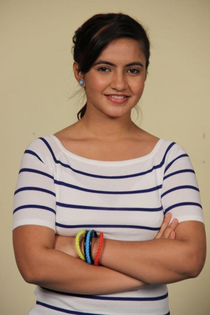Meera Deosthale Cute Smile Pics