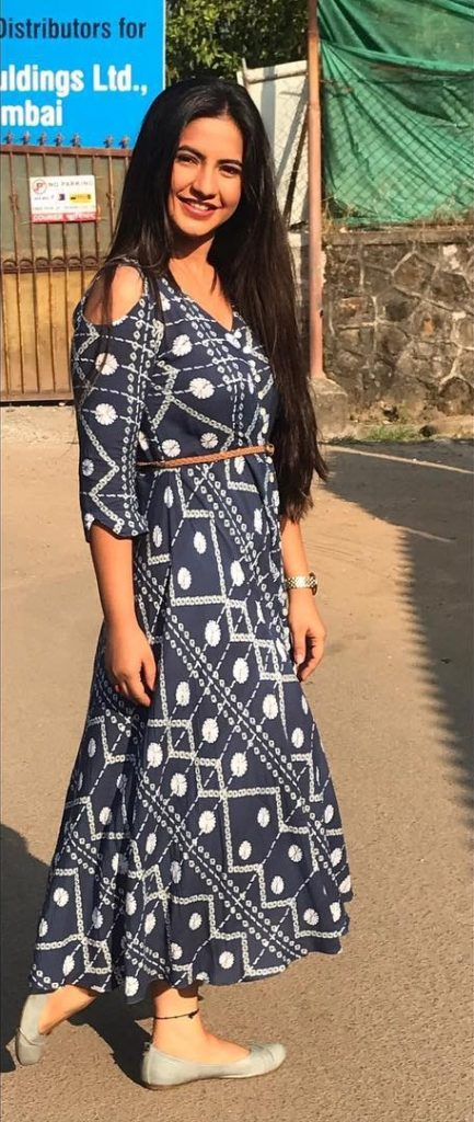Meera Deosthale Full HD Images Download