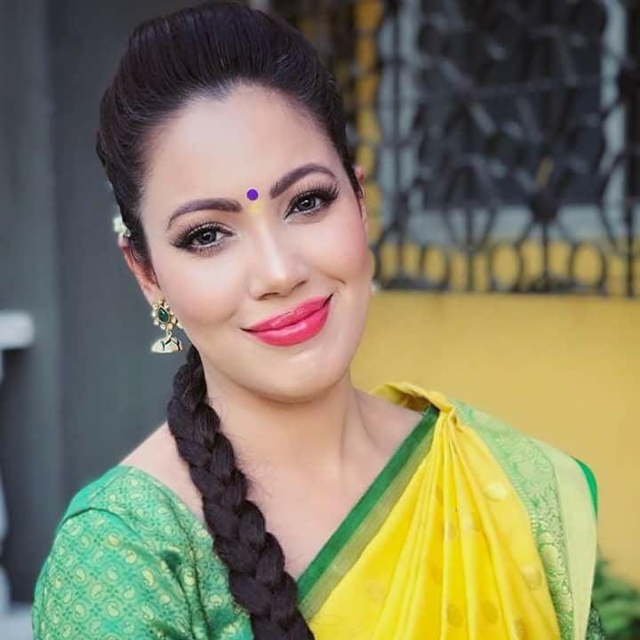 Munmun Dutta HD Pics In Saree