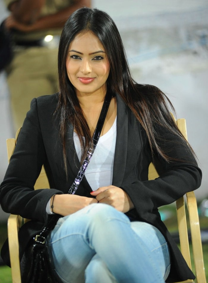 Nikesha Patel Hot Pictures In Jeans Top