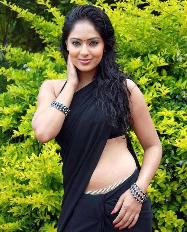 Nikesha Patel Hot & Spicy Navel Showing Pics In Bra