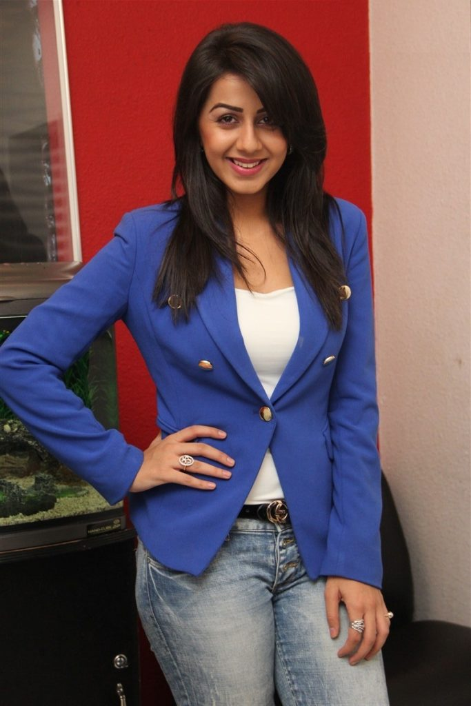 Nikki Galrani Hot In Jeans Top Wallpapers