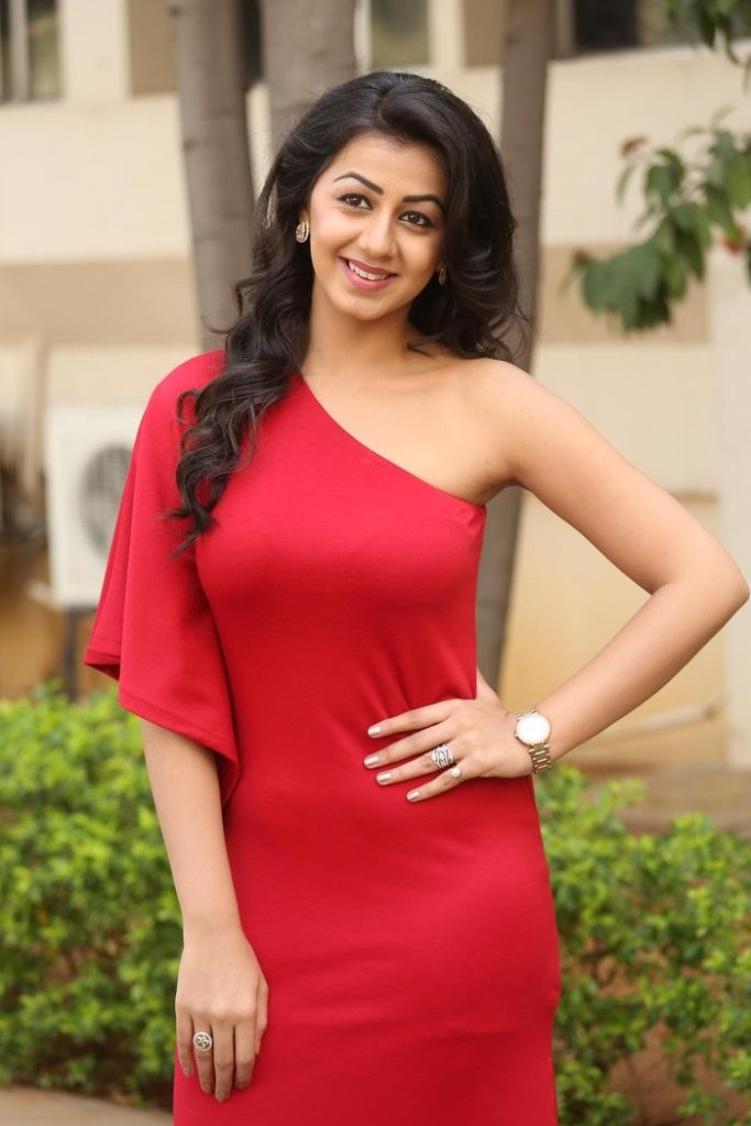 Nikki Galrani New Hair Style Wallpapers