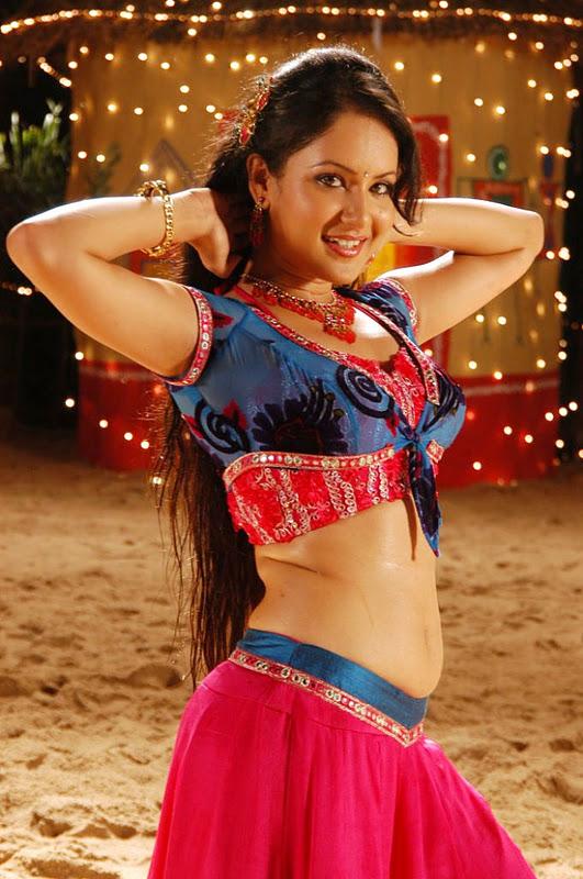 Pooja Bose Hot Spicy Navel Pics