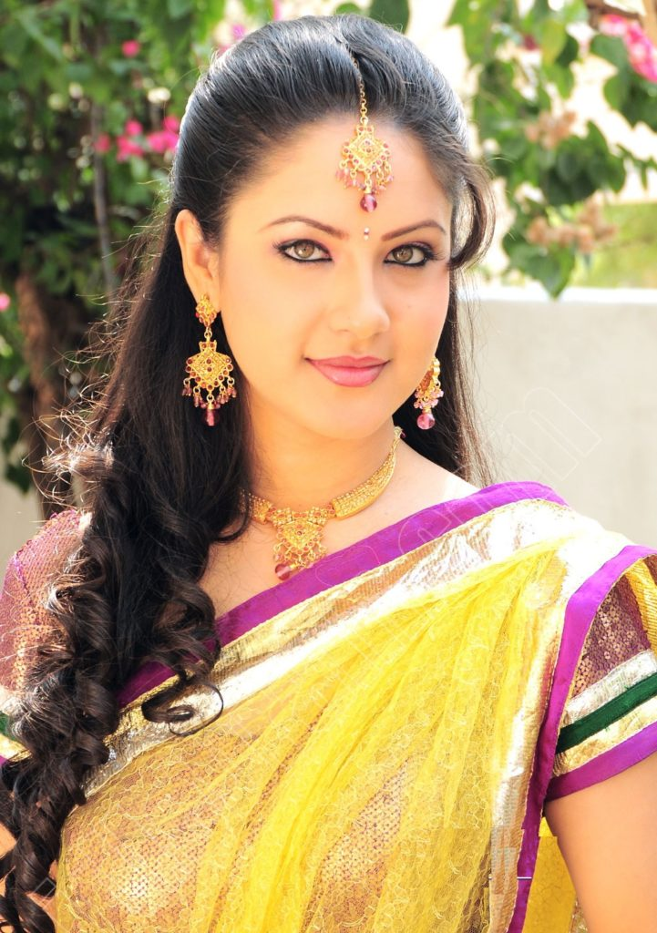 Pooja Bose New Pictures In Saree
