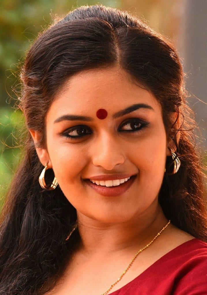 Prayaga Martin Lovely Eyes Images