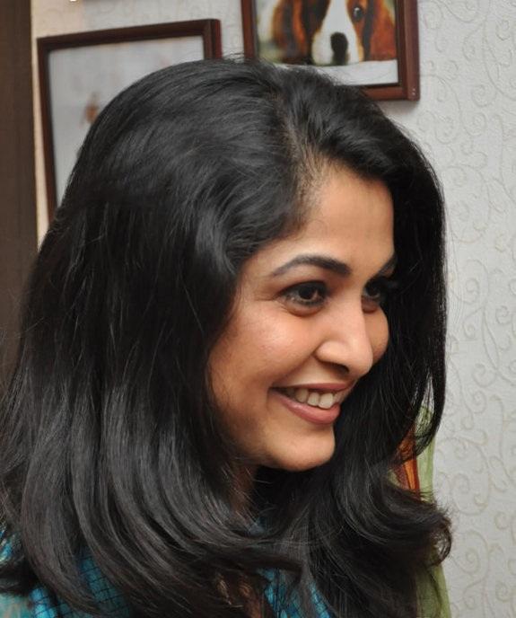 Ramya Krishnan Cutes Smiling Images