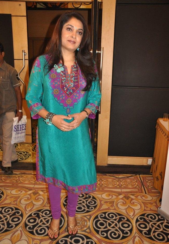 Ramya Krishnan HD Images In Salwaar Kameez